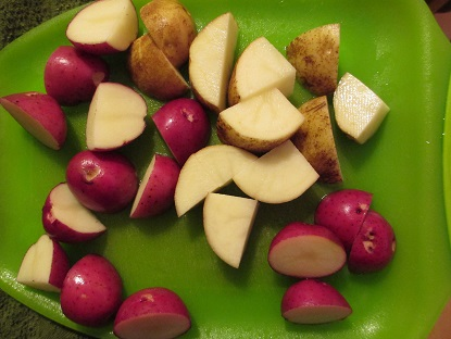 Potatoes make the soup more satiating, to satisfy hearty winter appetites