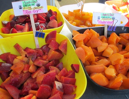 Fruit sampling is a farmers market favorite for kids and their parents as well